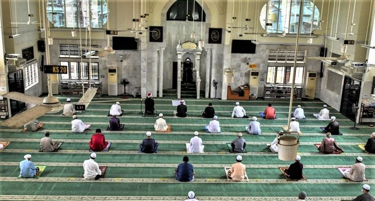 Daily prayers allowed at all mosques